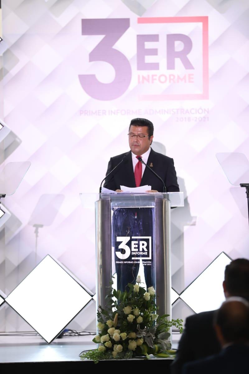 El Alcalde @armando_cabada presenta su Primer Informe de Gobierno de la Administración 2018-2021.  - Explicó que el Informe de Gobierno fue dividido en 5 esferas de acción denominadas gabinetes, en los que fueron definidas las estrategias y seguimiento: https://t.co/zM03QLWrNq https://t.co/Q0ZS98Xwh8