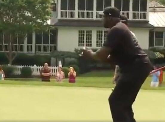 【影片】高爾夫也能投?歐尼爾打高爾夫現身教學告訴你答案