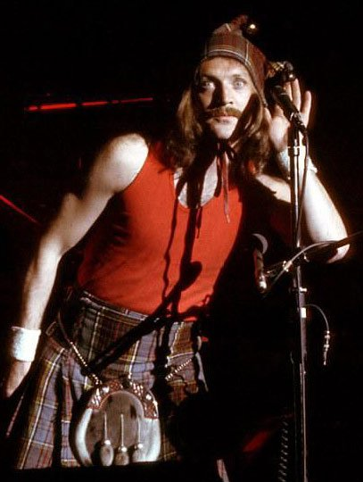 Happy Birthday to former Jethro Tull drummer Barriemore Barlow, born on this day in Birmingham in 1949.