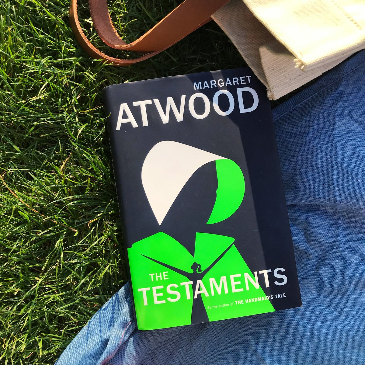The stories of resistance continue with the release of @MargaretAtwood's sequel to The #HandmaidsTale. Get your copy of #TheTestaments today:  https:// hulu.tv/2lKKAnI     <br>http://pic.twitter.com/xUupcDuRGU