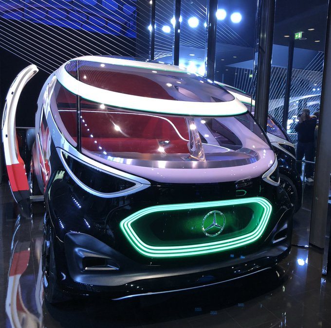 Das MOIA-Fahrzeug von MercedesBenz auf der IAA19 heißt