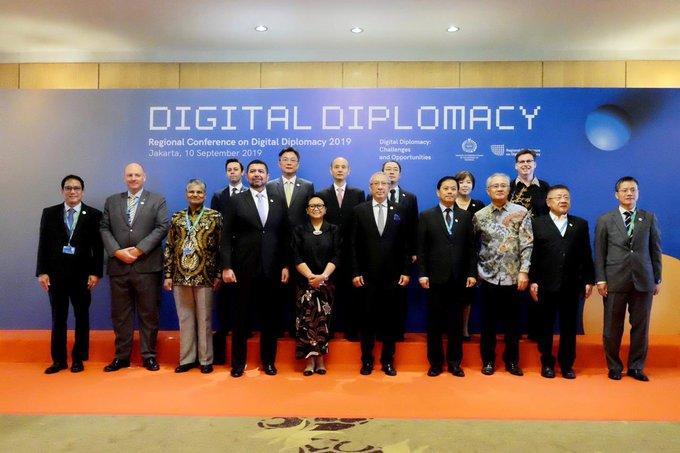 Digital diplomacy Photo