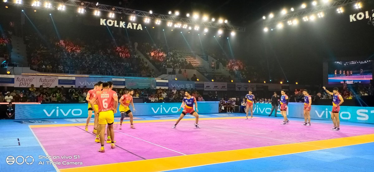 Kolkata has welcomed #VIVOProKabaddi with open arms and the #vivoS1 lens has captured it perfectly! 😍Watch all the LIVE action from the mat on Star Sports & Hotstar!#IsseToughKuchNahi #ItsMyStyle #Vivographer