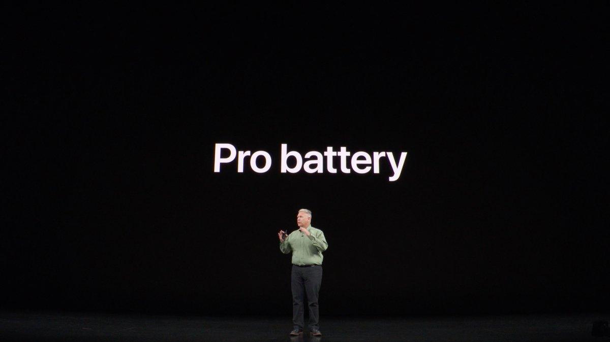 iPhone 11 Pro Maxのバッテリーもちは、iPhone XS Maxから「5時間」以上増加。チップによる省エネが効いているようですが、伸びすぎでは…。 #AppleEvent