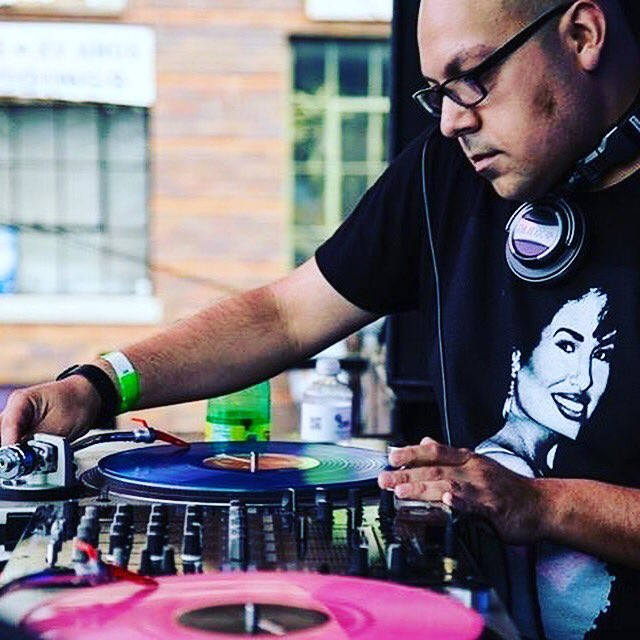 """@DjRampage (Ghetto Division) today on the """"5 O'Clock Mix"""" on @Vocalo 91.1fm hosted by Jesse De La Pena 09.10.19  http://www. vocalo.org/player     #ChiSoundsLike  DJs, send your mixes to (jessed@vocalo.org) 60 minutes - Clean (No Swearing) <br>http://pic.twitter.com/qKwxM267iT"""