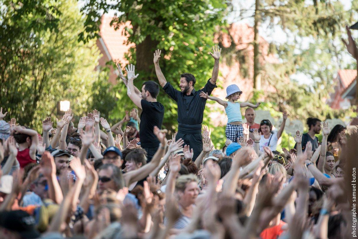 Participez au festival #CergySoit : 3 jours de festivités gratuites avec plus de 40 compagnies et 170 représentations organisés par @villedecergy 🥳 📆 Rendez-vous les 20, 21 et 22 septembre  📷 Photo : Samuel Button https://t.co/o98Kvx5gqJ