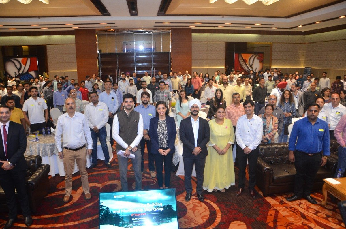 Completing 100 days of the new Govt., Startup India conducted a 'Capacity Building & Mentorship Workshop' in Jammu for more than 230 aspiring entrepreneurs, Startups, Chartered Accountants and Company Secretaries! <br>http://pic.twitter.com/lwrsEjczSN