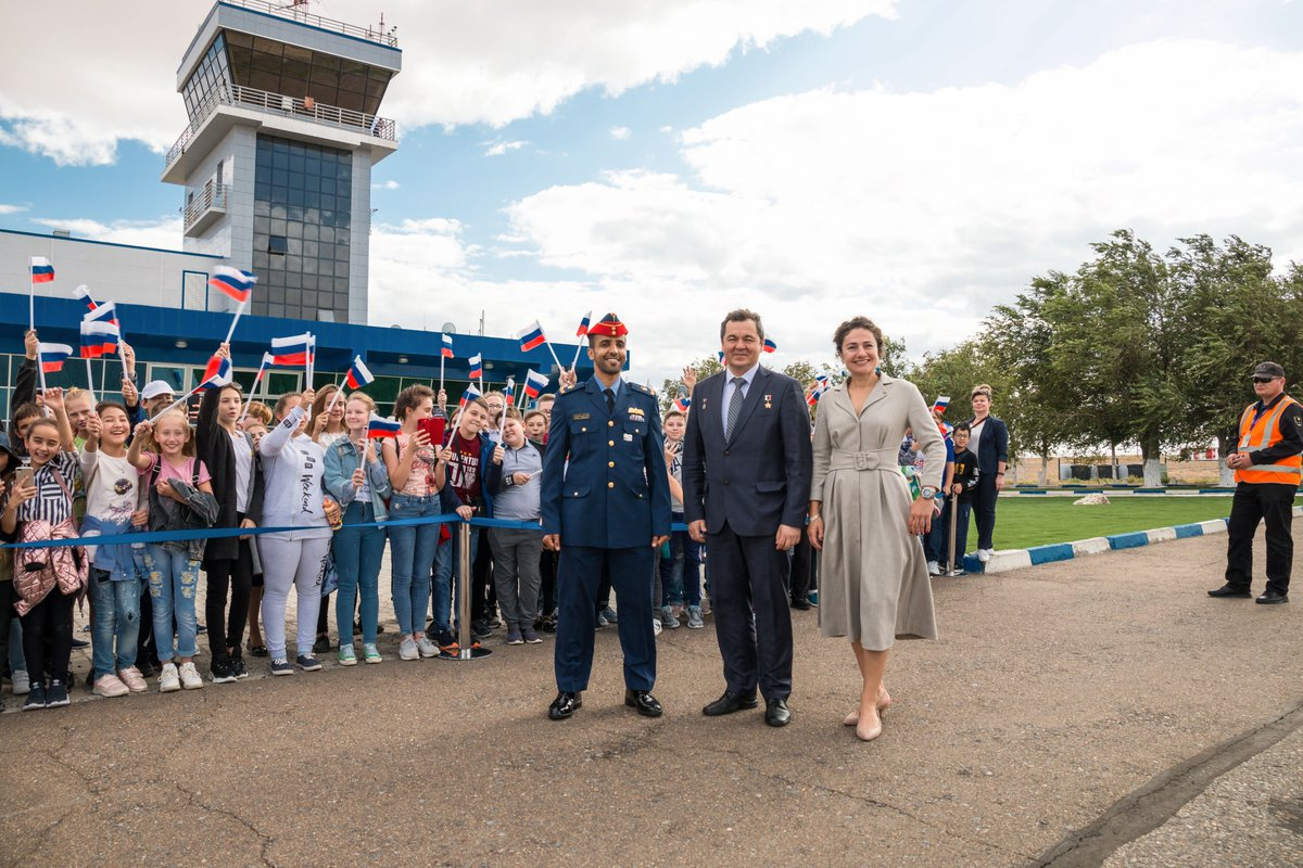 At the airport in Kazakhstan, Hazzaa Ali Almansoori, Oleg Skripochka and @Astro_Jessica pose for pictures upon their arrival at the launch site for final pre-launch training. More on Flickr: flickr.com/photos/nasa2ex…