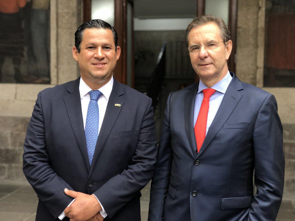 Acordamos con el Gobernador @diegosinhue impulsar la equidad y excelencia educativa en #Guanajuato para fortalecer la Nueva Escuela Mexicana en todos sus niveles.