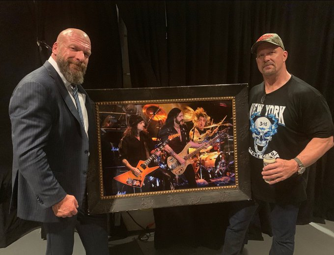 Triple H Reveals Cool Gift From Steve Austin At MSG
