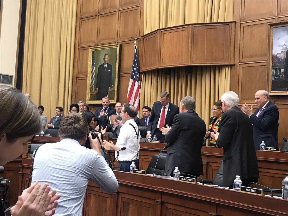 .@JimPressOffice, who's retiring after 42 years, gets a standing ovation as the committee chair and ranking member acknowledge Sensenbrenner's service in congress and on the House Judiciary Committee.