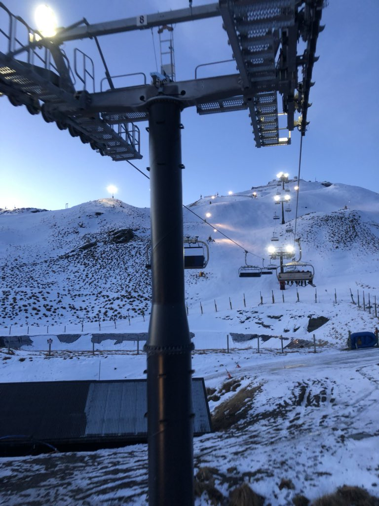 @nztechtweet key to working in Queenstown is being finished by 4 to spend the evening skiing