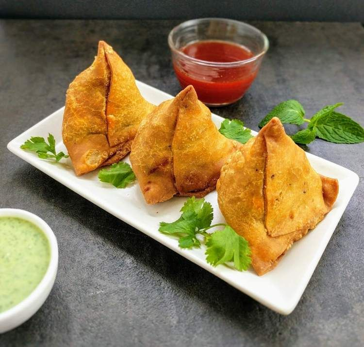 The #samosa is one of the most famous #snacks in #India today. However, its origins can be traced back to Central Asia. . #indianfood #delicious #foodie #VaadesRestaurant #vancouverrestaurant #vancouverfood