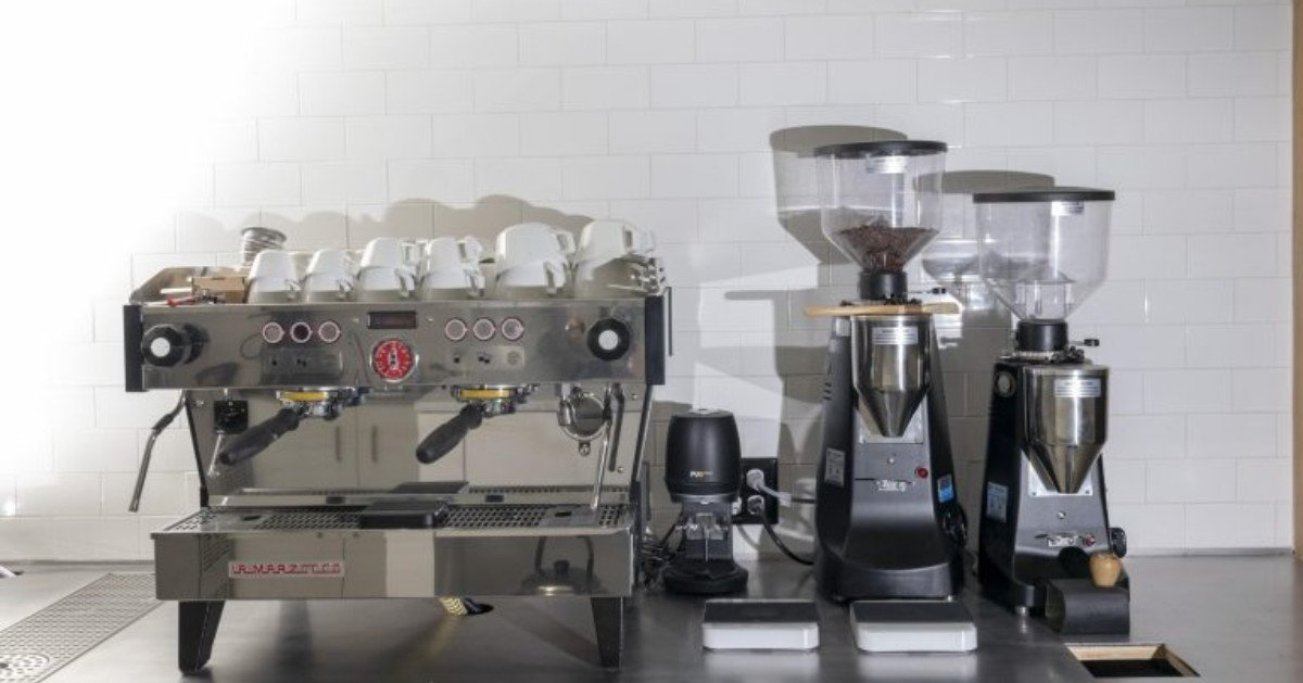 Espresso machines & grinders rule everything around us as #baristas. Troubleshoot machines & learn more at this course w/ the @coffeetechguild at @TheCrownOAK : royalcoffee.com/event/ctg1/ #thecrownOAK #oakland #specialtycoffee #opensourcecoffee