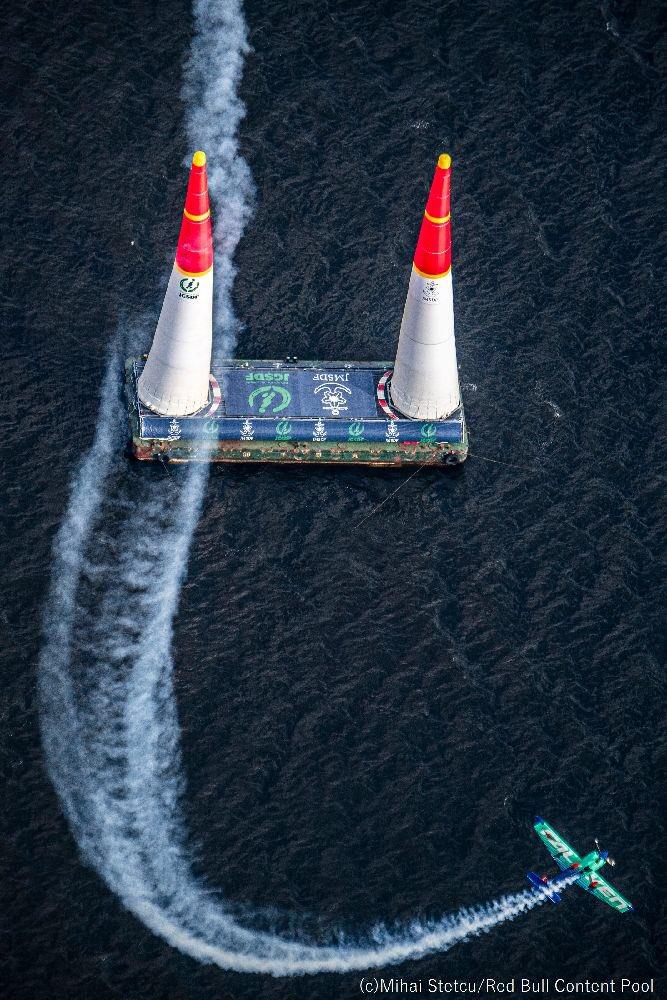 【出演情報:New!! 】 9/12(木)AM4:30~ NHK「おはよう日本」 www4.nhk.or.jp/ohayou/ 5:30-6:00頃、6:30-7:00頃に放送される予定です。是非ご覧ください!! ※急遽変更になる可能性があります #airrace #YoshiMuroya #FALKEN #Breitling #LEXUS #RedBull
