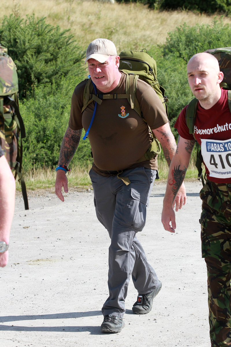 @ThePARAS10 & @greatnorthrun_ last weekend raising funds for @supportourparas