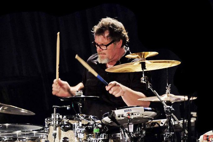 Mr. Mister - Kyrie (Official Video)  via Happy Birthday drummer Pat Mastelotto