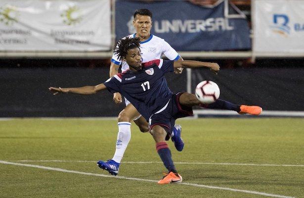 Liga de Naciones CONCACAF 2019: El Salvador 0 La Republica Dominicana 1. EEJ2vRYUEAAlS0e?format=jpg&name=small