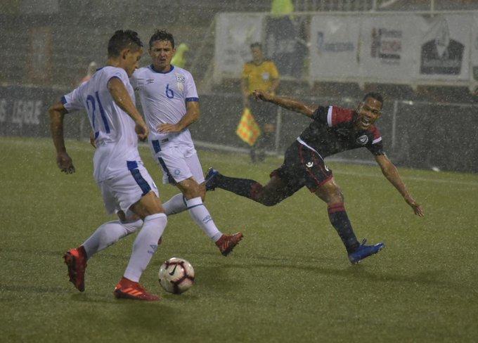 Liga de Naciones CONCACAF 2019: El Salvador 0 La Republica Dominicana 1. EEJECerXYAAwYsq?format=jpg&name=small