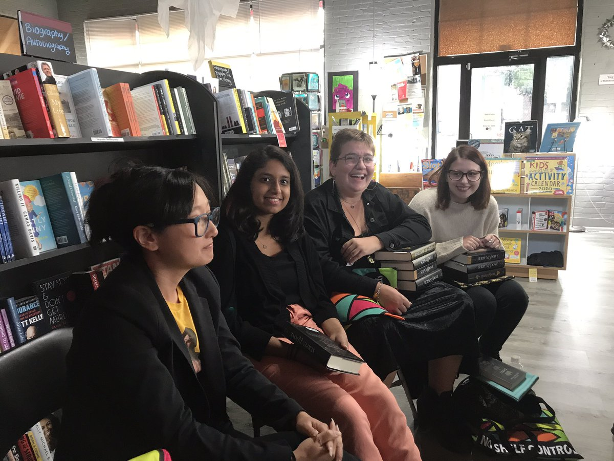 A few more photos from tonight's @EpicReads event at @ThatBookStoreCT @renathedreamer By far my favorite author event I've attended. It was surreal to be so up close & personal, with wonderful conversations!