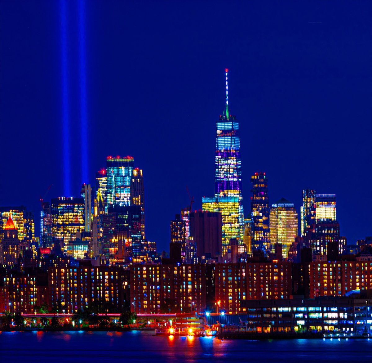 Tribute in Light graces the skies over World Trade Center tonight at twilight. #NYC #September11 #NeverForget911 #TributeInLight <br>http://pic.twitter.com/oyuGbrDG9j