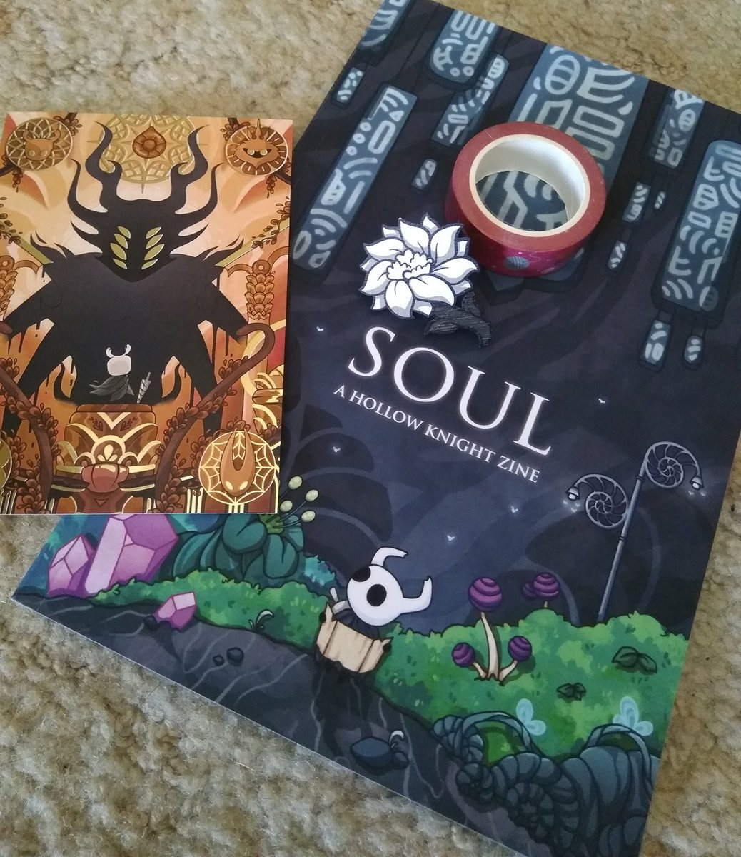 My copy of the Hollow Knight Soul zine arrived today and everything is gorgeous!! Thank you @SoulZine 🐛💜✨