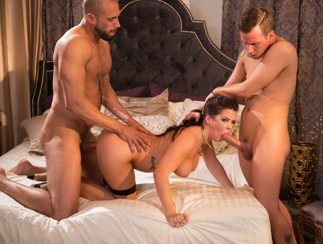 Threesome with my wife and another man in australia