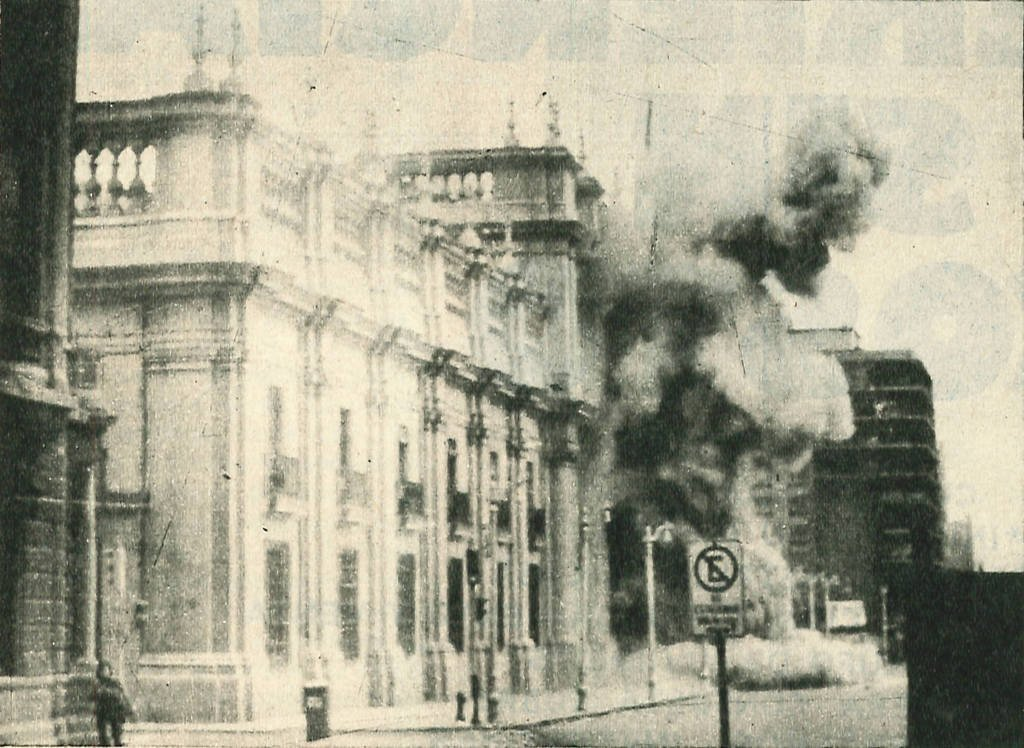 On this day in 1973, a U.S. backed military coup in Chile topples the democratically elected government of Salvador Allende. The takeover gives rise to the murderous 17-year dictatorship of Augusto Pinochet. <br>http://pic.twitter.com/tSBr08uB0x