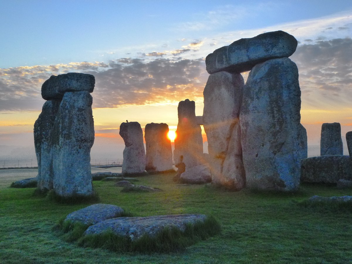 stonehenge moonlight - HD1600×1200