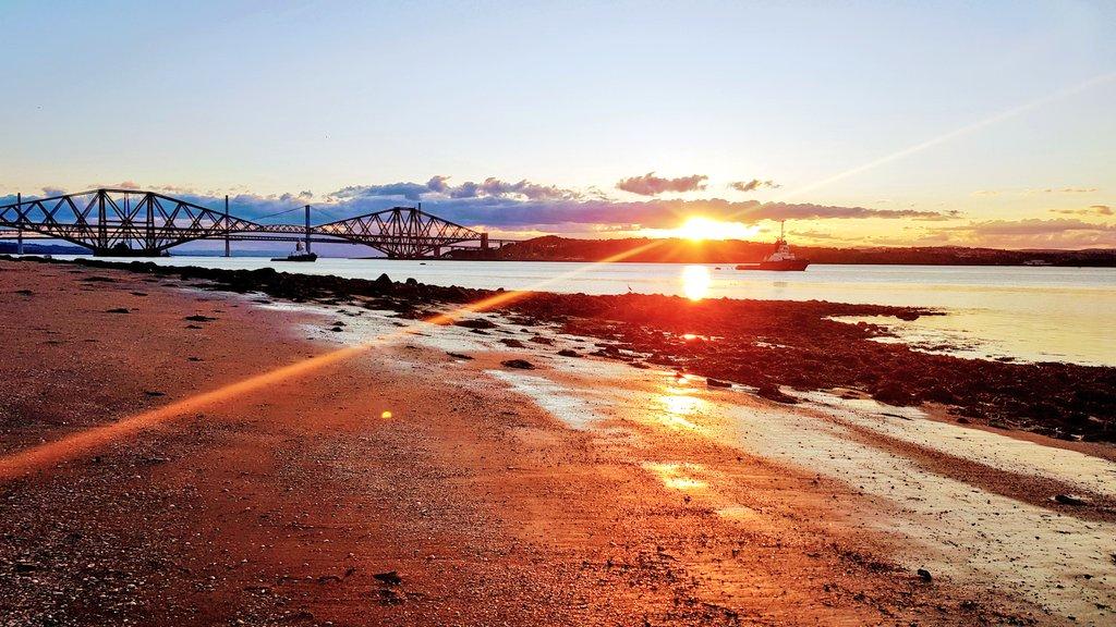 Living and writing and loving Scotland @MyFaveBench @deputygrocott #FFBWednesday #scottishlit 🏴 #follobackforfolloback #WednesdayMotivation #amwriting