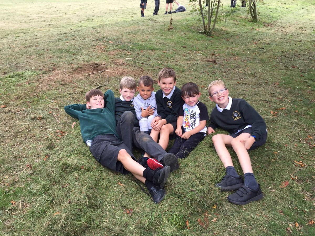 """Beenham Primary School on Twitter: """"Our school buddies have been amazing  with the new foundation stage children. They have already formed such great  friendships and are fantastic role models. #friends #mentoring #values…"""