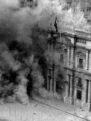 Dos #11S para recordar: el golpe de Estado contra Allende en 1973 y el atentado a las Torres Gemelas en 2001Dos 11 de septiembre con el mismo factor común, el poder hegemónico norteamericano como ideólogo del horror. Mismo modus operandi: conspiración, muerte y violación de DDHH