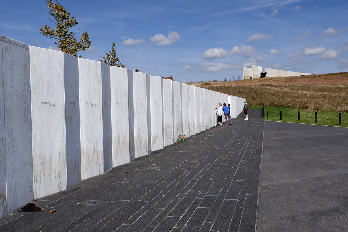 The brilliant Flight 93 Memorial in Shanksville has a Twitter account: @Flight93NPS. It's got only 3,393 followers. Let's get them to 10K by day's end, Pittsburgh. Support their work.  Those bastards flew that plane right over our heads. Heroes died on board. Never let that fade. pic.twitter.com/ztHdTKiTMx