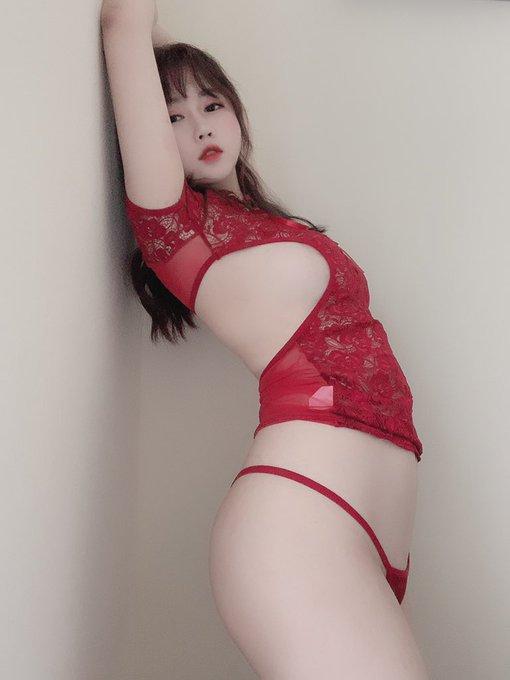 コスプレイヤー依酱のTwitter自撮りエロ画像51