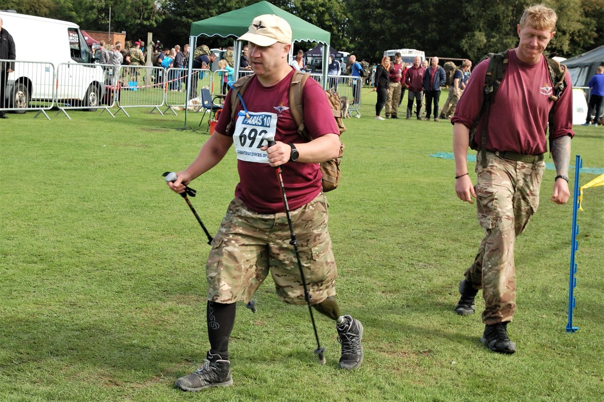 Sniper Stu Pearson, lost leg to a mine at Kajaki, coming home at the @theparas10 for @supportourparas last Saturday. Outstanding. Not far to go to hit his target if you can help him get there justgiving.com/Stuart-Pearson…