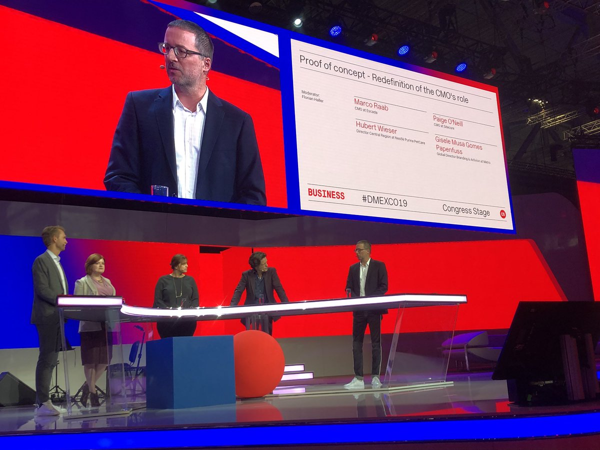 CMIO's have to be change catalysts but they cannot do it alone. Change management is a team sport #DMEXCO19 <br>http://pic.twitter.com/Vx2vDebhXu