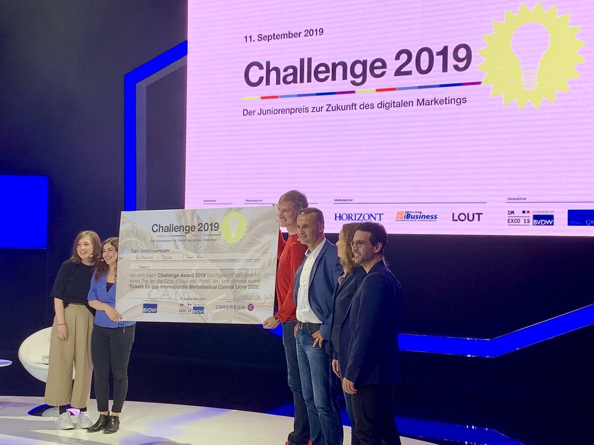 The future looks bright! Congrats to Team Blue, winners of the BVDW Challenge Award 2019 honoring the digital marketers of the future #DMEXCO19 <br>http://pic.twitter.com/94fVTwEmkM
