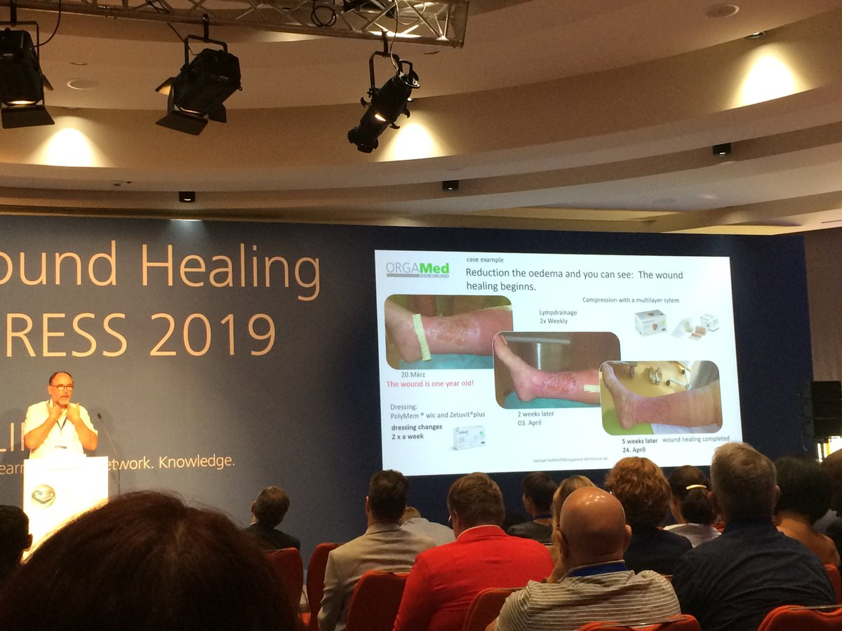 Carsten Hampel-Kalthoff from ORGAMed Dortmund emphasizing the importance of compression therapy in combination with appropriate exudate management, with superabsorbers such as Zetuvit Plus rather than foams.   #linkforwoundhealing   Find all abstracts here https://t.co/iMRKYrHfYP https://t.co/KMwzDpWhqX