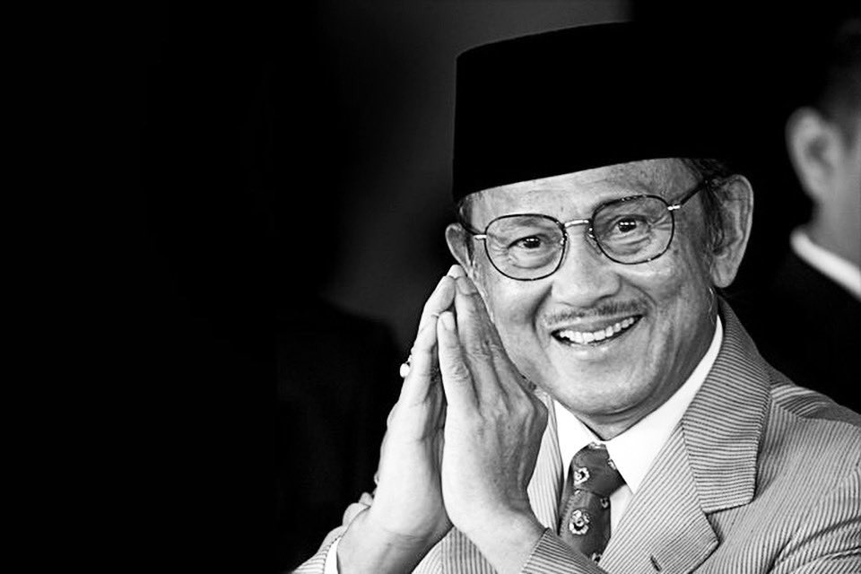 Today, on September 11st, our dearest 3rd President of Republic Indonesia, B.J Habibie, had passed away. We are sending deep condolences for his family and his loved ones. May he rest in peace. 🙏