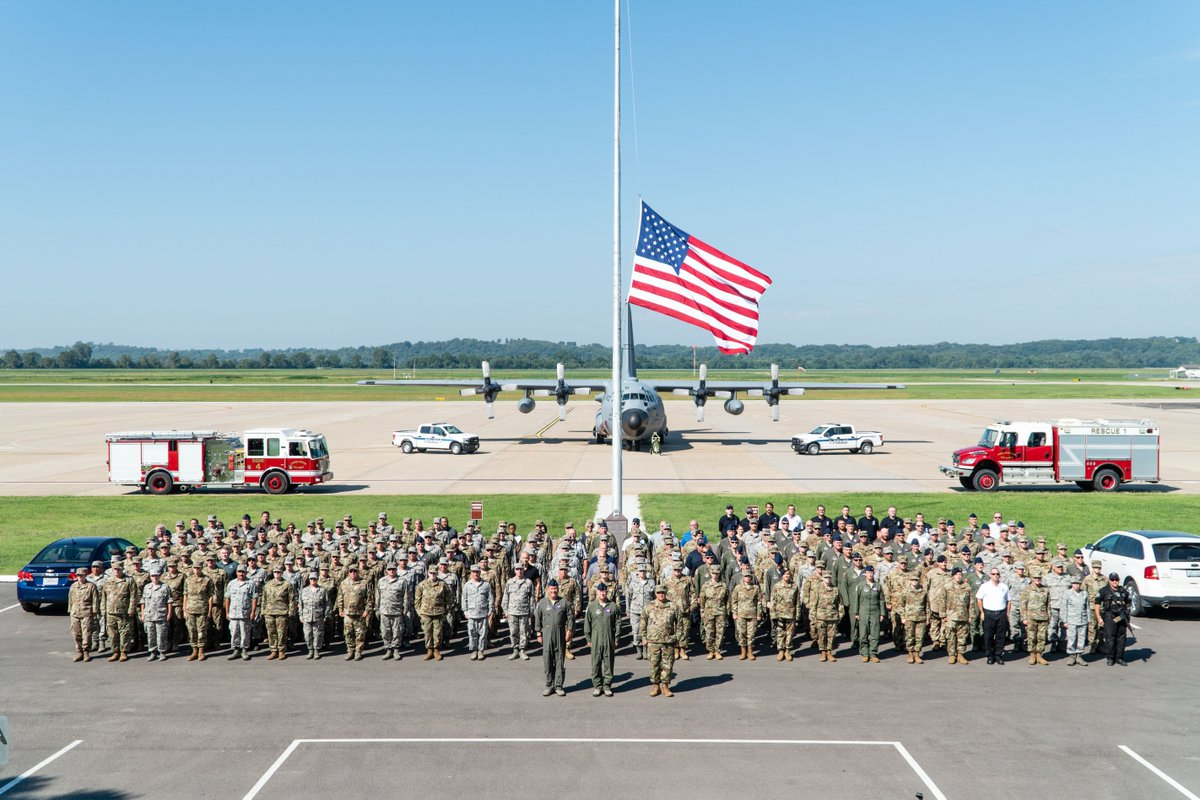 Airmen stand in formation during a 9/11 remembrance ceremony at Rosecrans. Today is the 18th anniversary of the 9/11 terrorist attacks. #NeverForget<br>http://pic.twitter.com/Zw1B3AwGk4