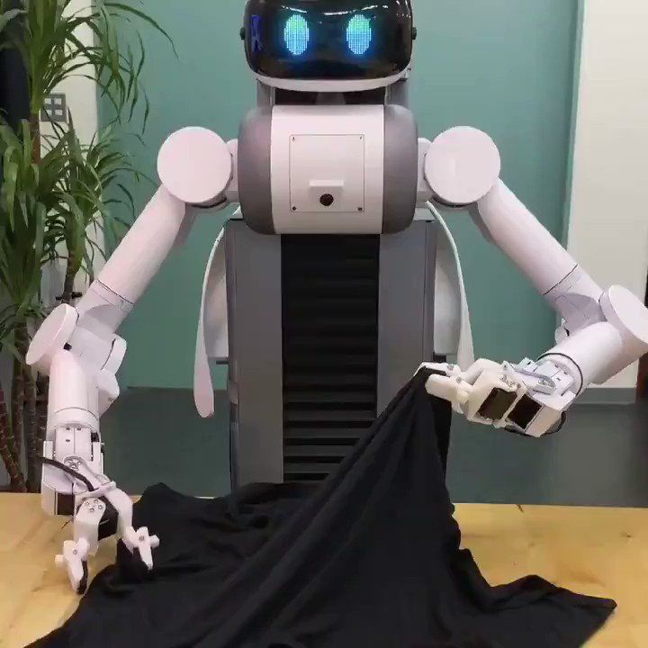 How many #women would like a friend so at home? ... Maybe in the coming years will be the most purchased #gift for #ValentineDay? #ArtificialIntelligence #servicerobot #Robotics @Hacksterio @RobotAndAIWorld    https:// buff.ly/2UHF7vy    <br>http://pic.twitter.com/8BVU6FYwK0