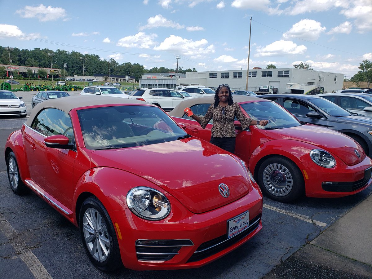 Flow Vw Of Durham A Twitteren Congratulations To Melissa Reverly Wilson On Her Purchase Of The New 2019 Vw Beetle Convertible Se She Traded In Her Red With Tan Top 2016 Vw For