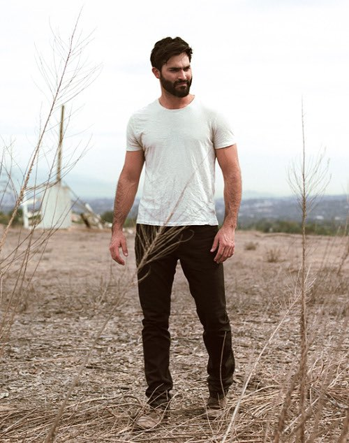 Happy birthday to my husband Tyler Hoechlin thank you for being born