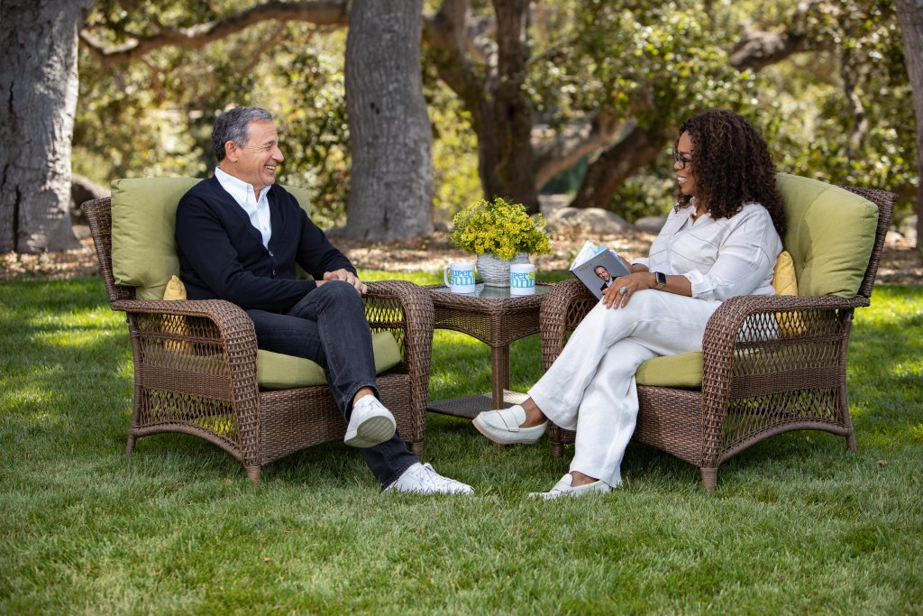 Oprah Sits Down With Disney Boss Bob Iger, Malcolm Gladwell & More For New 'Super Soul Sunday' http://dlvr.it/RCv7hM
