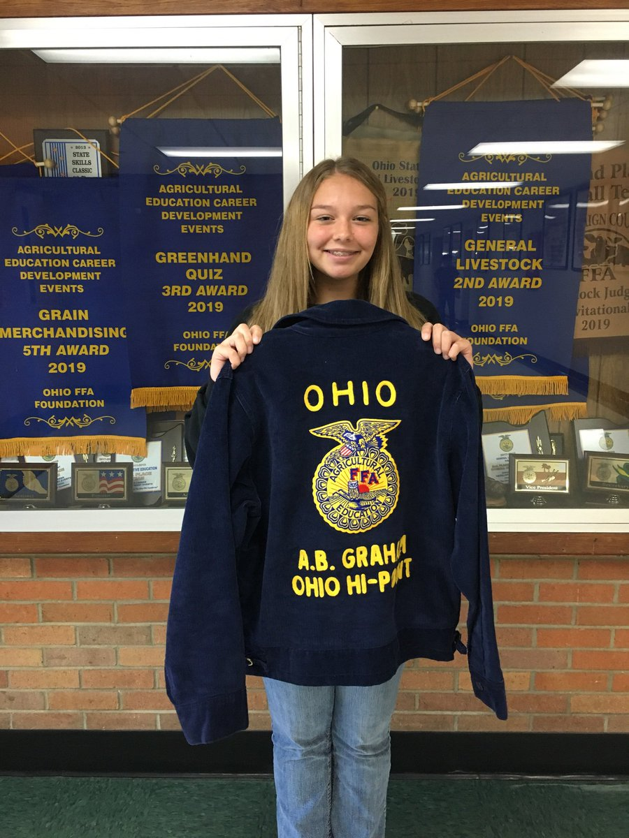 Congratulations to our chapter FFA jacket winner Abigail Butcher for flawlessly reciting the FFA Creed! Way to go!! <br>http://pic.twitter.com/NZkTGhtbCJ