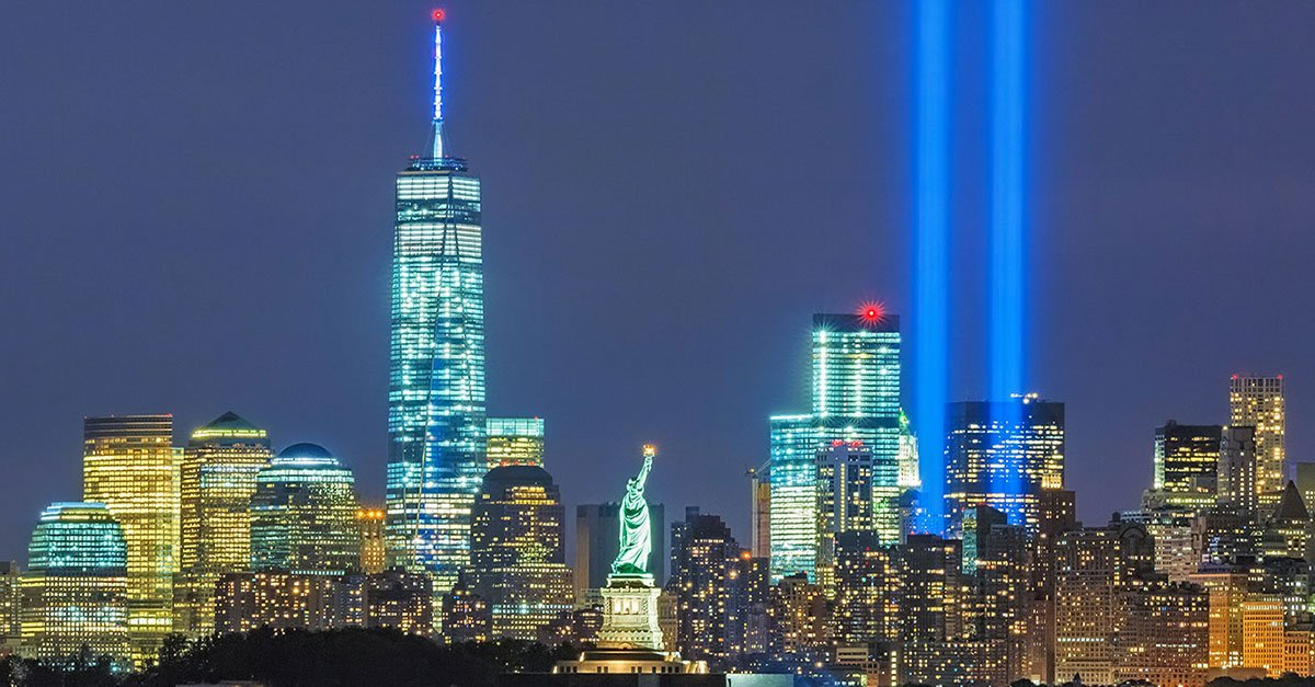 Remembering the brave men and women lost 18 years ago today in New York, Pennsylvania and Washington, D.C. #NeverForget #TributeinLight <br>http://pic.twitter.com/UrJlhfnSac