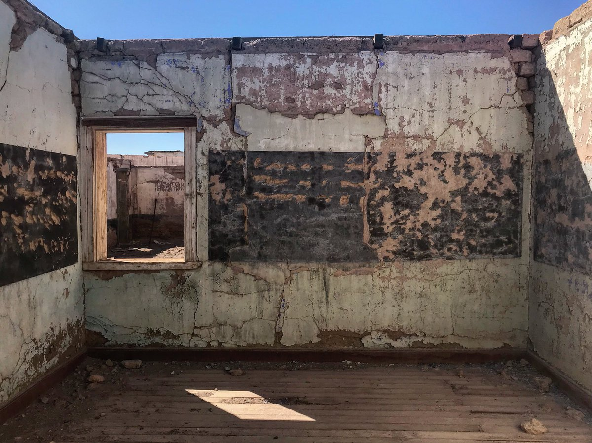 Chacabuco, 1920s nitrate town in the Atacama Desert, turned into a concentration camp under Pinochet  Around 1800 prisoners, especially doctors, teachers & artists, were held here by his regime – which overthrew Salvador Allende with US support on this day in 1973 <br>http://pic.twitter.com/YiiplKu2l0