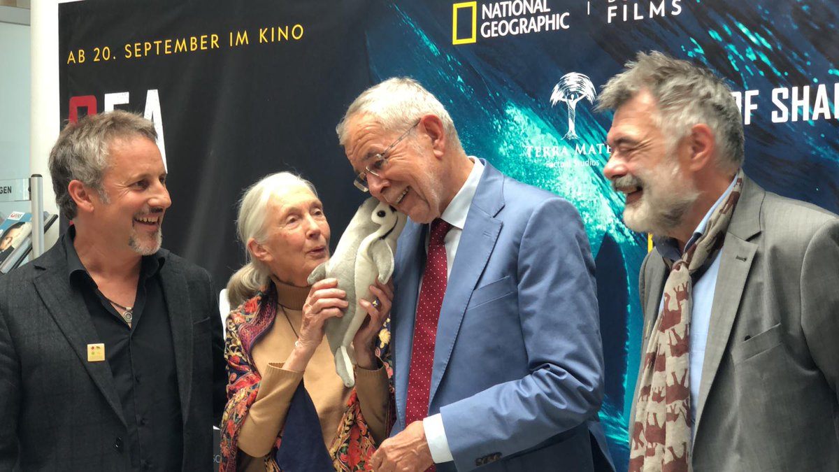 The magic kiss of the vaquita   It was an absolute honor to have Dr. Jane Goodall (@JaneGoodallInst) introduce to plight of the vaquita to Austria's President @vanderbellen, another advocate for the planet and it's creatures!<br>http://pic.twitter.com/WJNGrq4roq