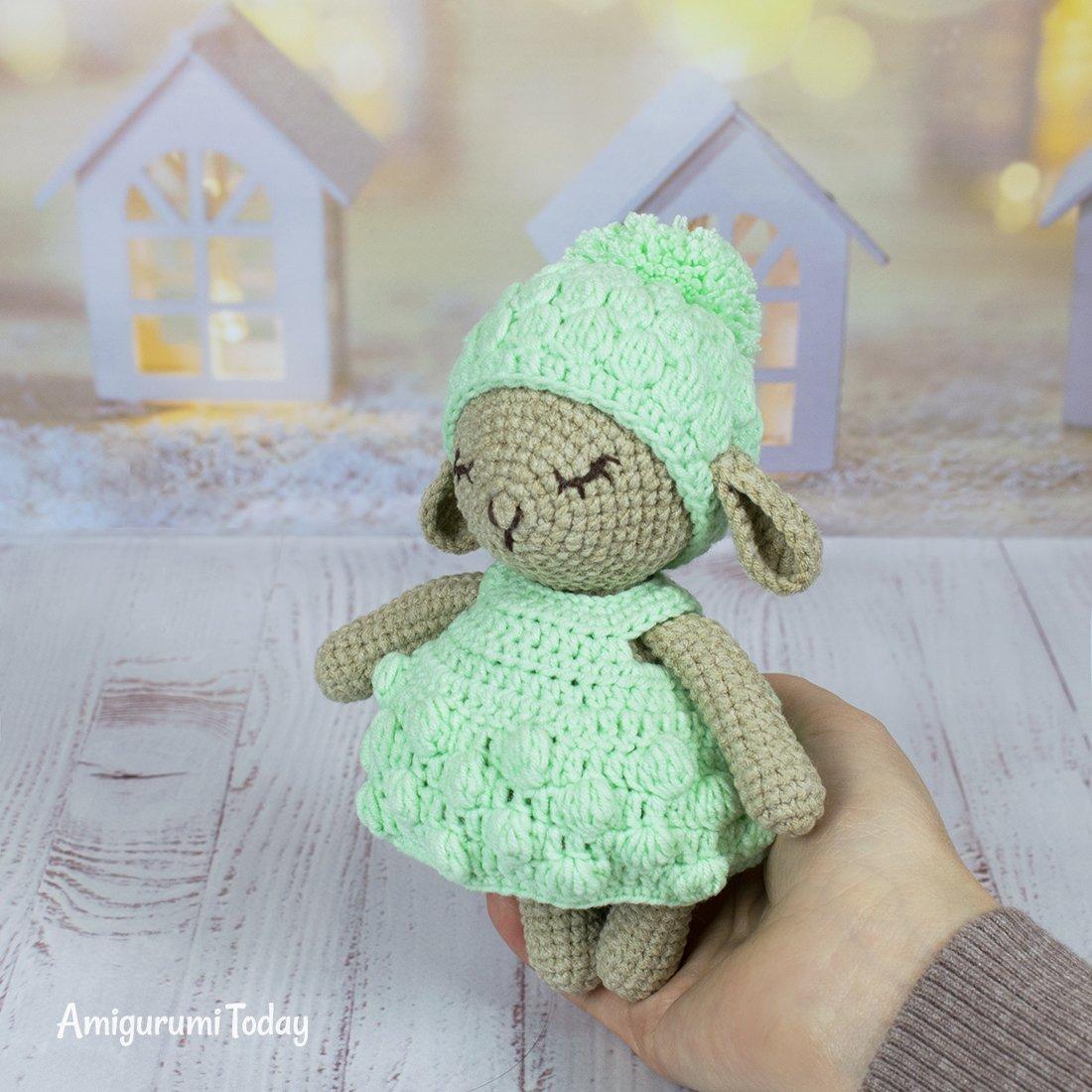 Free Teddy Bear crochet pattern - Amigurumi Today | 1100x1100