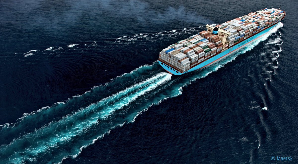 Goodbye big ships - hello profitability  Maersk - the instigator of gaining market share and cost advantage by supersizing ships [ULCVs] and accepting 'temporary' stress to profits, now called the end to this trend  #businessmodel   @sureIQ HT @WSWMUC  https://t.co/22aSQUV11R https://t.co/CVkjvMzbor